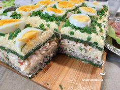 Tort sałatkowy -hit każdej imprezy !! Pyszny i kolorowy #sałatka #naimprezę - YouTube Polish Recipes, Meat Recipes, Appetizer Recipes, Cooking Recipes, Sandwich Cake, Appetisers, Spanakopita, Avocado Toast, Food To Make