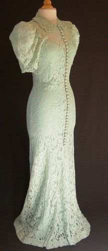 1930-1940s Romantic Curve Hugging Lace Wedding Gown Wedding Outfits, Wedding Wear, Wedding Gowns, Lace Wedding, Vintage Clothing, Vintage Dresses, Vintage Outfits, Vintage Fashion, 1930s Wedding