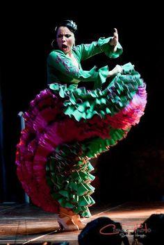 """Tamara Lucio Roales """"El movimiento del verso"""" ♥ Wonderful! www.thewonderfulworldofdance.com #ballet #dance"""