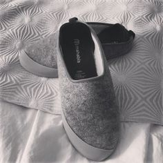 acaea455e0f classic slippers - mahabis    slippers reinvented