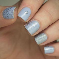 Blue Winter Nail Art