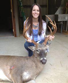 Bowhunter Arrows Huge Florida Buck! on http://www.deeranddeerhunting.com