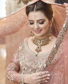 Image may contain: 1 person Bridal Makeup Looks, Bridal Looks, Bridal Style, Wedding Makeup, Walima Dress, Shadi Dresses, Pakistani Bridal Makeup, Pakistani Wedding Dresses, Bridal Lehenga