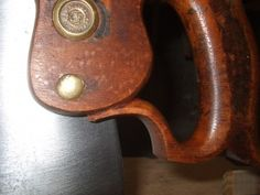 Article -- Picking a Winner: How to buy a vintage handsaw