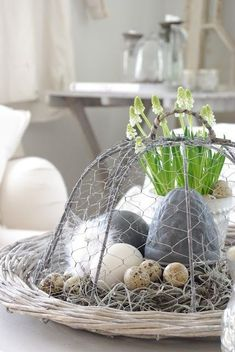 Candles and Eggs decor table -Diy