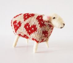 Image of Handmade Woolly Sheep - Queen of Hearts by Mary Kilvert Counting Sheep, Sheep And Lamb, Fair Isle Knitting, Farm Yard, Queen Of Hearts, Photo Craft, Sheep Wool, Softies, Pet Toys