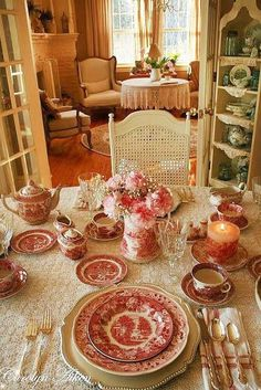 Ideas For Shabby Chic Table Settings French Country French Country Tables, English Country Style, French Country House, French Country Decorating, Country Table Settings, Beautiful Table Settings, Dresser La Table, Estilo Country, Deco Table