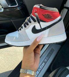 Cute Sneakers, Sneakers Mode, Sneakers Fashion, Fashion Shoes, Jordans Sneakers, Mens Fashion, Jordan Shoes Girls, Girls Shoes, Nike Air Shoes