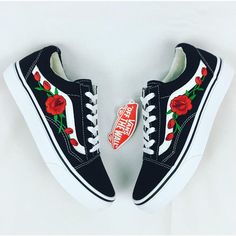 Shop with Confidence, 100% AUTHENTIC Vans -100% BRAND NEW -Black and White Old Skool Vans -Comes in original vans box -Patch work done by professionals, not stitched We take pride with our quality, roses will not decay over time. old school vans with rose vines on each shoe also available in white unisex shoes, for both men and women -Please choose the correct size -Refer to conversion chart -Fits true to size -All sales are final! -Please feel free to message us if you have any que...