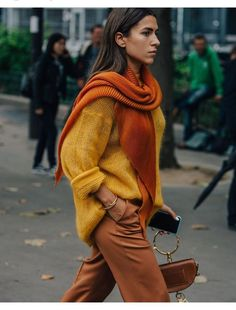 Fashion Week A dark orange, gold and a copper brown, these colors scream autumn!A dark orange, gold and a copper brown, these colors scream autumn! Fashion Blogger Style, Look Fashion, New Fashion, Trendy Fashion, Street Fashion, Womens Fashion, Style Blog, Fashion Fall, Trendy Style