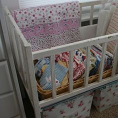 Now all I need is an old crib... CHEAP!  I think I would use mine in the guest/computer room in FL...  Very cute idea!