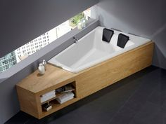 This corner bath for two invites you to relax. tub … - Home Decor Ideas! Double Bathtub, Bath Tub For Two, Built In Bathtub, Freestanding Bathtub, Wood Bathroom, Small Bathroom, Bathroom Ideas, Bathroom Remodeling, Remodeling Ideas