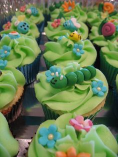 Spring cupcakes defianitly doing this!