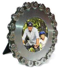 Bike chain picture frame for the photo-loving cyclist in your life! Fun gift for cyclists.