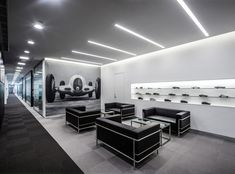 Gallery - Mercedes-Benz Advanced Design Center of China / anySCALE - 10 Garage Interior, Office Interior Design, Office Interiors, Interior Decorating, Auto Design, Bmw Design, Garage Design, House Design, Building Design Plan