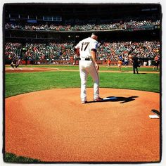 Tim Hudson toes the rubber at #attpark. Photo by @punkpoint