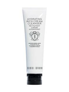 Bobbi Brown Hydrating Rich Cream Cleanser -puhdistusvoide poistaa kaiken lian ja meikin kasvoilta kuivattamatta ihoa. Osta tuote omaksesi stockmann.com-verkkokaupasta.