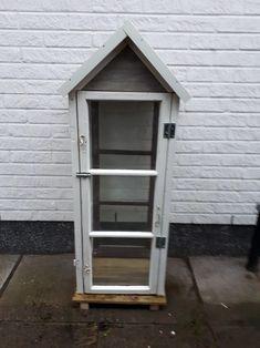 Isäntä teki mulle vanhoista ikkunoista lyhdyn. Shed, Outdoor Structures, Barns, Sheds