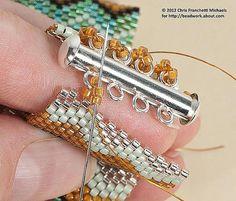 Erfahren Sie, wie Sie einen Schiebeverschluss an einem Peyote-Armband anbringen Attach a Slide Clasp to a Peyote Stitch Cuff Bracelet: Make Loops and Attach the Clasp to This End ~ Seed Bead Tutorails - Plants Bead Loom Bracelets, Jewelry Bracelets, Embroidery Bracelets, Beaded Cuff Bracelet, Geek Jewelry, Crochet Bracelet, Pandora Bracelets, Diy Jewelry, Beaded Jewelry