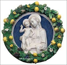 Bottega di Andrea Della Robbia - Madonna con Bambino benedicente - 1492 circa - Tondo di cm 70 di diametro - Santuario La Verna, Cappella delle Stimmate
