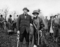 Coco Chanel & Winston Churchill (circ 1940s) #CocoChanel Visit espritdegabrielle.com | L'héritage de Coco Chanel #espritdegabrielle