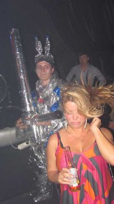 Has this ever happened to you???!!! Nightlife in St. Petersburg, Russia #tinfoilman #justanothernight