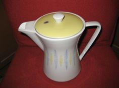LILIENPORZELLAN FEDER KAFFEEKANNE 100 TOPZUSTAND, 195,-- Kettle, Kitchen Appliances, Diy Kitchen Appliances, Teapot, Home Appliances