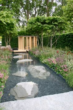 Modern Pond Garden Ideas For Beautiful Backyard - Dlingoo Garden Pool, Garden Art, Garden Landscaping, Diy Garden, Summer Garden, Backyard Ponds, Summer Diy, Landscaping Ideas, Back Gardens