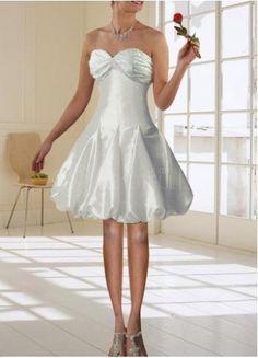 the perfect dress for amber! Mini Wedding Dresses, Tea Length Wedding Dress, Fairytale Dress, Strapless Dress Formal, Formal Dresses, Beautiful Dresses, Wedding Inspiration, Wedding Ideas, White Dress