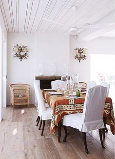 using rug/textile as tablecloth