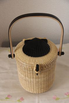 Nantucket Basket 5 inch round Shell Top basket