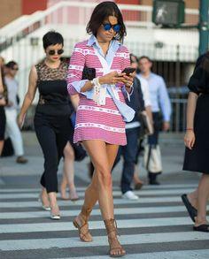 Leandra Medine mostra como juntar estilo e conforto num só look, e ficar totalmente cool.