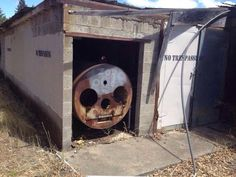 """""""so funny and kind of sad and funny Thomas the Tank Engine: The crystal meth years. Childhood Ruined, Dark Jokes, Funny Memes, Hilarious, Drug Memes, It's Funny, Thomas The Tank, College Humor, Laugh Out Loud"""