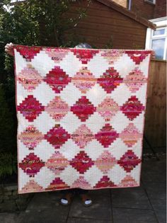 Filling the Space: Finished and gone-the court house steps quilt