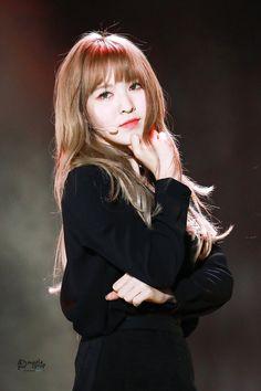 My dear Wendy! Seulgi, Kpop Girl Groups, Korean Girl Groups, Kpop Girls, Park Sooyoung, Kpop Wallpaper, Queens, Wendy Red Velvet, South Korean Girls