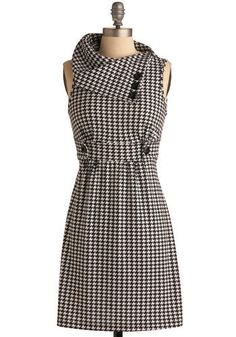 Streetcar Tour Dress in Houndstooth