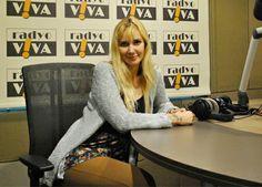 Müziğin başarılı ve sevilen ismi Gökçe, 29 Nisan Salı günü saat 18:00'de Hopdedik Ayhan'ın stüdyo konuğu oldu. Mart ayında ''Matruşka'' adlı albümü ile müzikseverlere yeniden merhaba diyen Gökçe, albüm hikayesini, hayata ve müziğe dair her şeyi Radyo Viva'da sevenleriyle paylaştı.