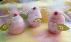 Mini Washcloth Cupcakes. Adorable idea!