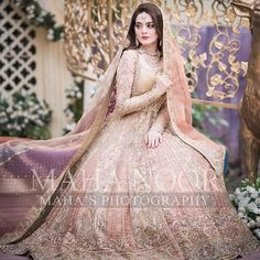 You are in the right place about simple Bridal Outfit Here we offer you the most beautiful pictures about the Bridal Outfit bachelorette parties you are looking for. When you examine the part of the p Pakistani Mehndi Dress, Pakistani Fashion Party Wear, Walima Dress, Shadi Dresses, Pakistani Wedding Outfits, Pakistani Dresses Casual, Pakistani Wedding Dresses, Pakistani Dress Design, Pakistani Clothing