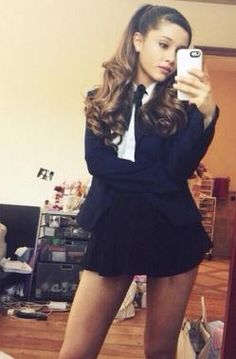 Love Ari's style! Really cute outfit!