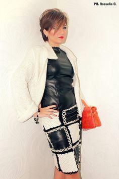La gioia di vivere deriva dal continuo incontro con nuove esperienze... E non esiste gioia più grande che sentirsi un orizzonte in costante cambiamento.. ;) #TagsForLikes #follow #followme #andria #puglia #italy #bloggers #style #fashionstylist #fashion #modadonna #love #amazing #knitwear #fashiondesigner #isabelladimatteotricot #girls #women #shoponline #shopping #abbigliamentosumisura #sexy #work #cute #dress #model #outfit #winter #blackandwhite #mode