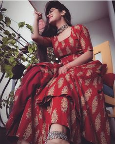 Look Your Best With This Fashion Advice Stylish Photo Pose, Stylish Girls Photos, Stylish Girl Pic, Cute Girl Poses, Girl Photo Poses, Girl Photos, Photo Shoot, Indian Photoshoot, Saree Photoshoot