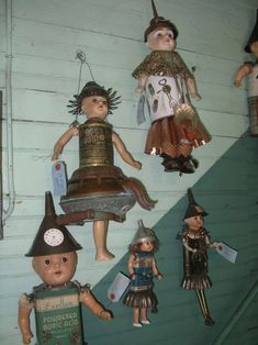 Vintage tin dolls.  I was looking for more pictures of these.  Can't believe you had it.  Haha.  I'm saving parts now.