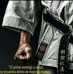 Got this from I had to share this. This pic made me feel proud to be apart of karate. Martial Arts Club, Martial Arts Weapons, Martial Arts Styles, Martial Arts Techniques, Kyokushin Karate, Shotokan Karate, Judo, Kung Fu, Goju Ryu Karate