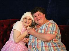 """""""So anyway, she's a bitch"""" also tells the tale of Dee-Dee and Gypsy Rose Blanchard. Dee-Dee was found stabbed to death and Gypsy was nowhere to be found.take a listen to hear this crazy true-crime story today! Munchausen Syndrome, Hbo Documentaries, Shave Her Head, Mother Knows Best, Hbo Go, Muscular Dystrophies, Gypsy Rose, Weird Stories, Murder Stories"""