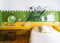 34-decoracao-quarto-casal-parede-verde-cabeceira-madeira