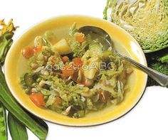 Lombardiai minestrone | Receptek Vegetable Dishes, Thai Red Curry, Soup Recipes, Meat, Chicken, Vegetables, Ethnic Recipes, Food, Beef