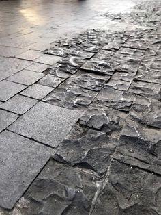 Same stone – different finish – Pavement İdeas Garden Paving, Garden Paths, Garden Landscaping, Landscaping Ideas, Architecture Details, Landscape Architecture, Interior Architecture, Texture Sol, Urban Landscape