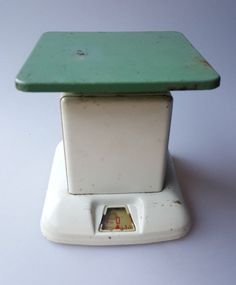 Vintage kitchen scale green and off white 24 lbs industrial farmhouse #Unknown