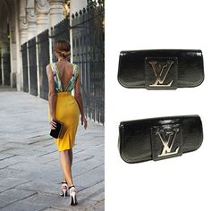 Stay chic and classy with a Louis Vuitton Clutch http://bobags.com.br/aluguel-de-bolsas/clutch-sobe-louis-vuitton.html #alugueldebolsas #bagrental #louisvuitton #clutchsobe #adorobobags